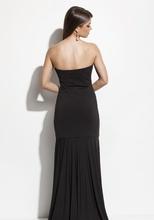 Duga haljina sa detaljima diskica