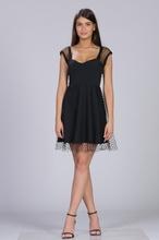 Crna haljina sa tilom i tufnicama