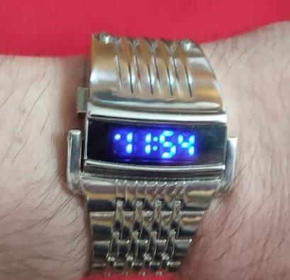 Ceas bărbătesc digital