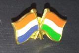 Insigna cu steagurile Franta si Ungaria