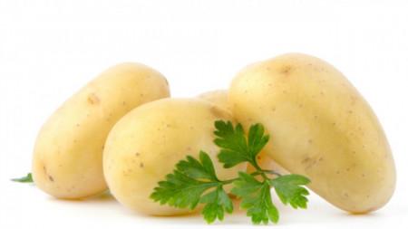 Пресни картофи България белени