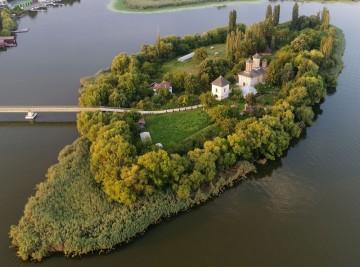 Poze Insula / Mănăstirea Vlad Țepeș