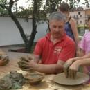 "2 Ateliere LUT: ""OLĂRIT"" (vase) & Modelaj (figurine) [grup minim de 10p/60min]"