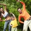 Exerciții Fizice lejere (suite de 3-5 minute) în aer liber / încălzire (natură, iarbă, umbră - cu instructor, adecvat nivelului dvs) [grup de minim 4 persoane]