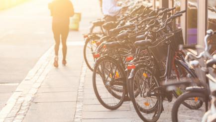Bicicleta, tot mai populara in timpul pandemiei. De ce trebuie sa ramana asa?