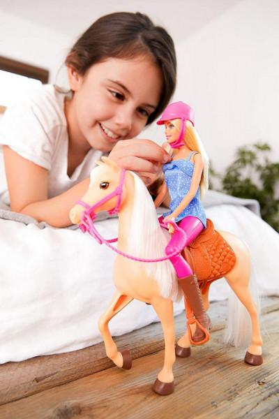 Set de joaca Mattel Barbie Papusa si cal