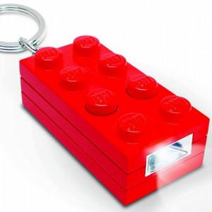 Breloc cu lanterna LEGO caramida rosie