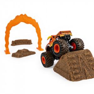 Set Monster Jam - Kinetic Sand, El Toro Loco, masinuta cu nisip si accesorii