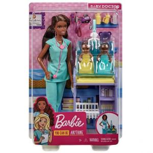 Papusa Barbie, medic pediatru mulatru cu doi bebelus si accesorii