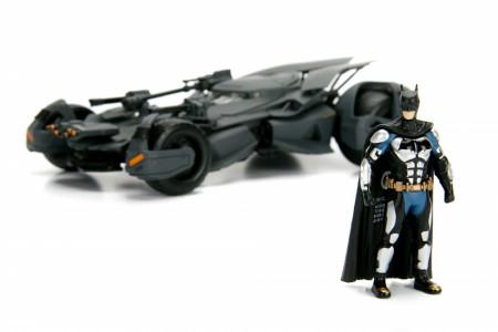 Macheta Metalica Batman Justice, League Batmobile, 20 Cm