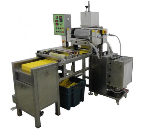 Masina profesionala de prelucrat foite de ceara la cald MINI M2