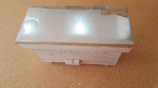 Nucleu din lemn imperechere matci cu 3 compartimente rama 1/2 rupta