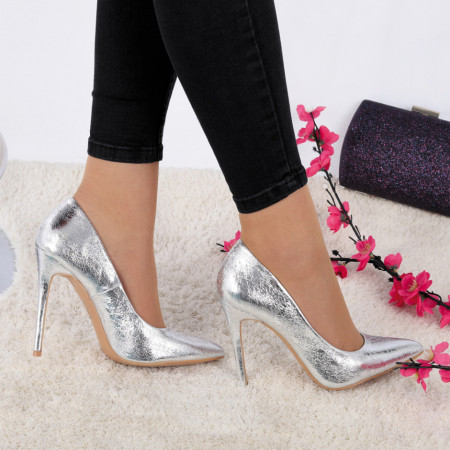 Pantofi cu toc cod HZ80672 Arginti - Pantofi cu toc ascuțit din piele ecologică cu un design unic, fii in pas cu moda si străluceste la urmatoarea petrecere. - Deppo.ro