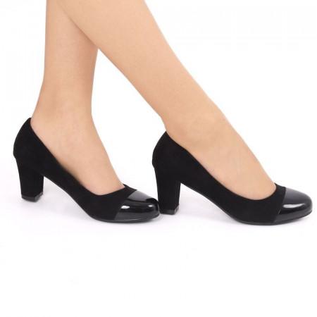 Pantofi cu toc cod JA98791 Negri - Pantofi din piele ecologică de înaltă calitate cu toc patrat şi vârf rotunjit - Deppo.ro