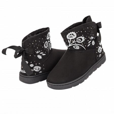Cizme Fioris Negre - Cizme tip UGG din piele ecologică întoarsă cu interior îmblănit, model cu decor floral şi ştrasuri - Deppo.ro