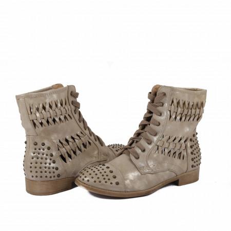 Ghete pentru dame cod 11S8737 Bej - Ghete din piele ecologică cu un model în stil texan - Deppo.ro