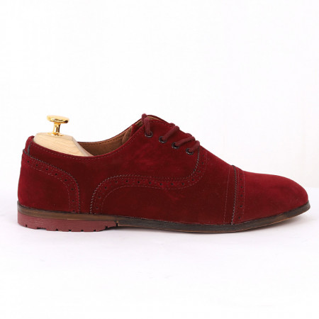 Pantofi din piele ecologică cod GADO002 Bordo - Pantofi pentru bărbaţi din piele ecologică, model simplu, finisaje îngrijite cu un design deosebit - Deppo.ro