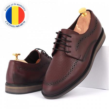 Pantofi din piele naturală bordo cod 77131 - Pantofi pentru bărbaţi din piele naturală, model simplu, finisaje îngrijite cu undesign deosebit - Deppo.ro