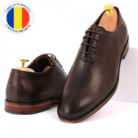 Pantofi din piele naturală pentru bărbați cod 2022 Maro Închis - Pantofi din piele naturală pentru bărbaţi, model simplu, finisaje îngrijite cu un design deosebit - Deppo.ro