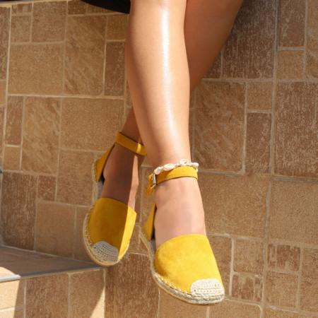 Sandale pentru dame cod F31 Yellow - Sandale pentru dama din piele ecologică întoarsă  Închidere prin baretă  Calapod comod - Deppo.ro