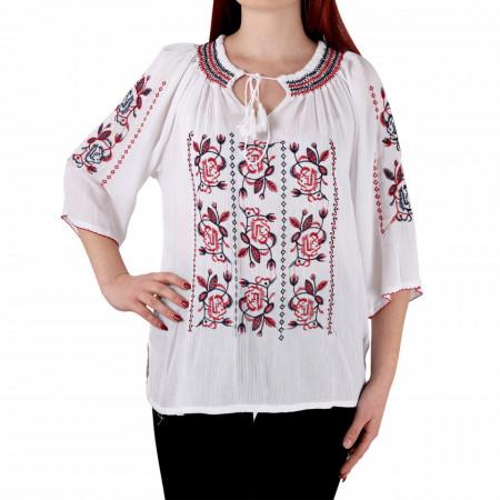 Bluziță tip iie tradițională Eliza - Bluziță tip IE cu motive florale, un design tradițional care poate fii purtată atât cu o pereche de pantaloni lungi cât și la o fustiță - Deppo.ro