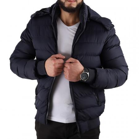 Geacă de iarnă Fabian Bleumarin - Geacă lungă stilată de iarnă pentru bărbaţi, prevăzută cu glugă, în partea din faţă jacheta este prevăzută cu un fermoar lung rezistent şi capse. - Deppo.ro