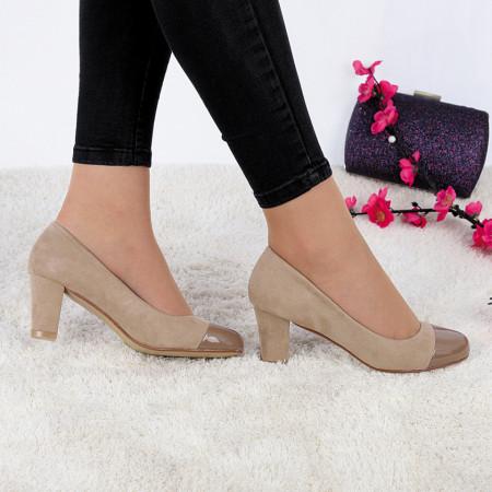 Pantofi cu toc cod JA98791 Bej - Pantofi cu toc din piele ecologică cuvârf lăcuit, fii în pas cu moda şi străluceşte la următoarea petrecere. - Deppo.ro