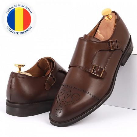 Pantofi din piele naturală maro cod 3229 - Pantofi pentru bărbaţi din piele naturală cu cataramă, model simplu, finisaje îngrijite cu un design deosebit - Deppo.ro