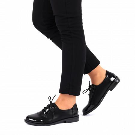 Pantofi pentru dame cod F26 Negri - Pantofi pentru dame, din piele ecologică lăcuită cu închidere prin șiret - Deppo.ro