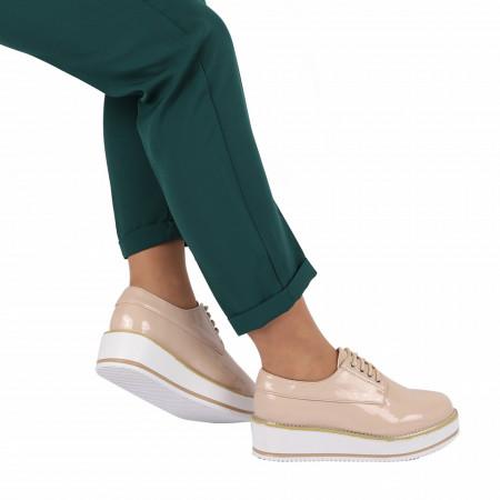 Pantofi pentru dame cod V16 Apricot - Pantofi pentru dame, din piele ecologica lăcuită cu închidere prin șiret - Deppo.ro