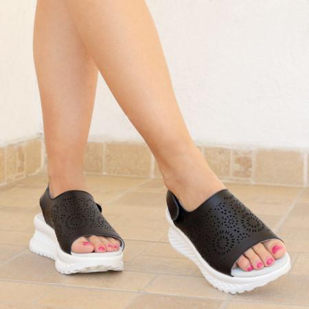 Sandale pentru dame din piele naturală cod PL2014 Black - Sandale pentru damă din piele naturală  Închidere prin scai lateral,  Talpă spate 3,5 cm Talpă față 2 cm  Calapod comod - Deppo.ro