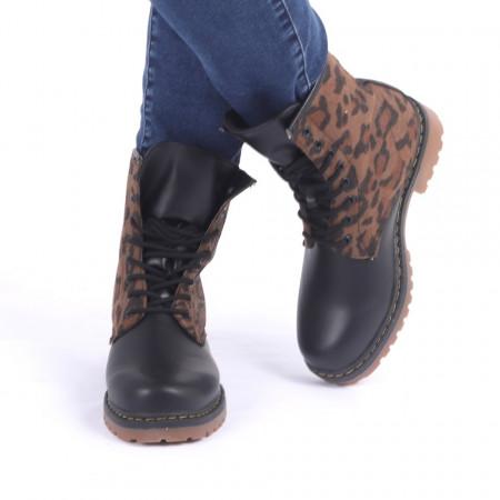 Ghete pentru dame cod PQ902 Leopard Print - Produs din piele ecologică, foarte confortabili cu un calapod comod și închidere cu șiret - Deppo.ro