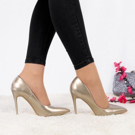 Pantofi Cu Toc  Ashlee Gold - Pantofi cu toc ascuțit din piele ecologică cu un design unic . Fi in pas cu moda si străluceste la urmatoarea petrecere. - Deppo.ro
