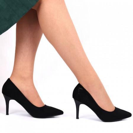 Pantofi cu toc cod C62 Negri - Pantofi cu vârf ascuţit şi toc subţire din piele ecologică întoarsă, foarte confortabili cu un calapod comod - Deppo.ro