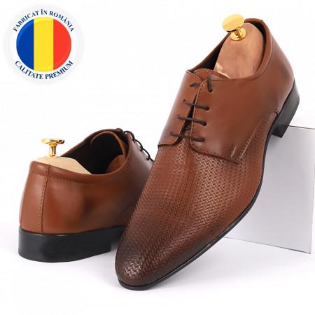 Pantofi din piele naturală maro cod 8665 - Pantofi pentru bărbaţi din piele naturală, model simplu, finisaje îngrijite cu undesign deosebit - Deppo.ro