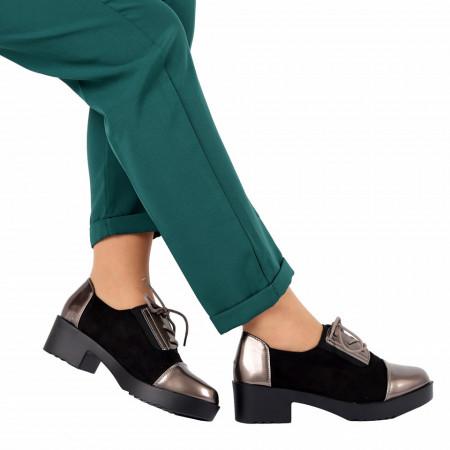 Pantofi pentru dame cod F18 Negri - Pantofi pentru dame, din piele ecologică cu închidere prin șiret - Deppo.ro