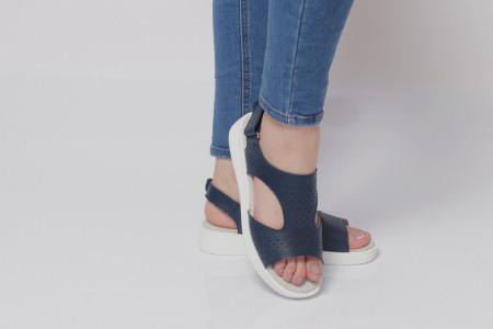 Sandale pentru dame din piele naturală cod PL-2018 Navy - Sandale pentru dama din piele naturală  Închidere prin scai lateral,  Talpă spate 3,5 cm Talpă față 2 cm  Calapod comod - Deppo.ro