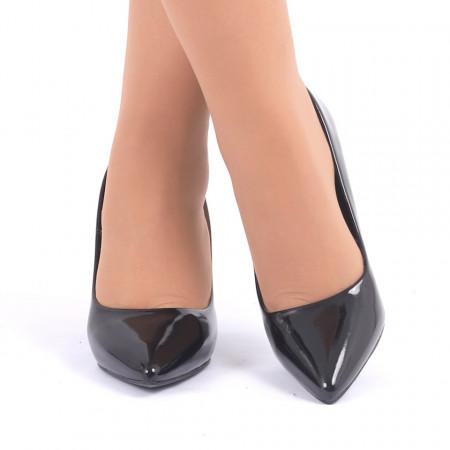 Pantofi cu toc cod C22 Negri - Pantofi din piele ecologică lacuită cu tocul de 8 cm şi vârf ascuţit - Deppo.ro