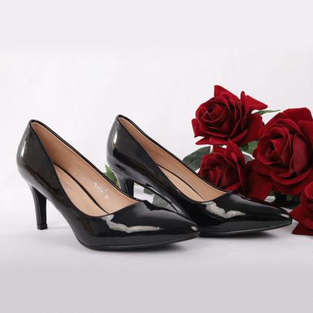 Pantofi Cu Toc Kianna Black - Pantofi cu toc din piele ecologică cu un design unic. Fii în pas cu moda şi străluceşte la următoarea petrecere. - Deppo.ro