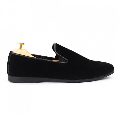 Pantofi din piele ecologică cod GADO003 Negri - Pantofi pentru bărbaţi din piele ecologică, model simplu, finisaje îngrijite cu un design deosebit - Deppo.ro