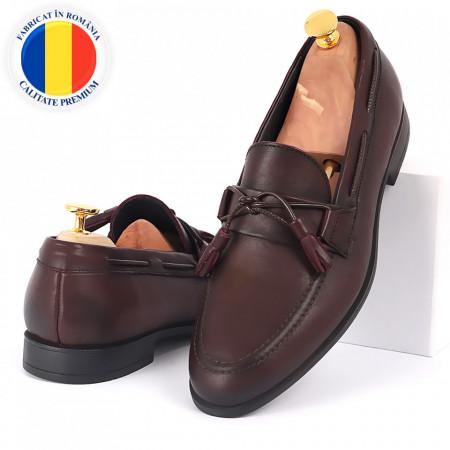 Pantofi din piele naturală cod 5458 - Pantofi din piele naturală, model simplu, finisaje îngrijite cu undesign deosebit - Deppo.ro