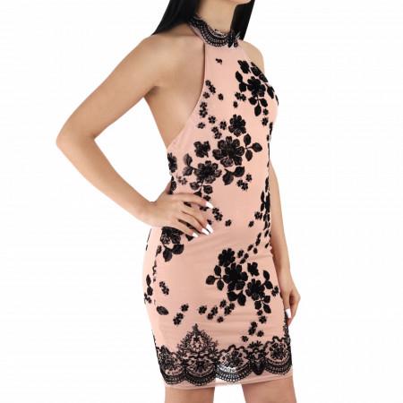 Rochie Cara Pink - Rochie scurtă cu design floral negru, cu umerii si spatele gol, simte-te atrăgătoare purtând această rochie și atrage toate privirile la urmatoarea petrecere. - Deppo.ro