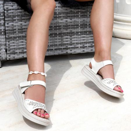 Sandale pentru dame din piele naturală cod 095 Bej - Sandale pentru dama din piele naturală Închidere prin scai Calapod comod - Deppo.ro