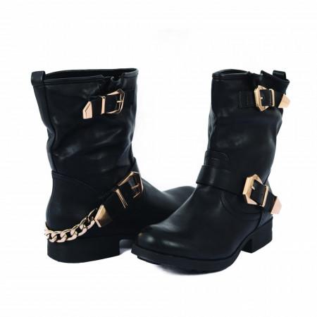 Cizme Anida Black - Cizme pentru dame din piele ecologică decorate cu inserții metalice - Deppo.ro