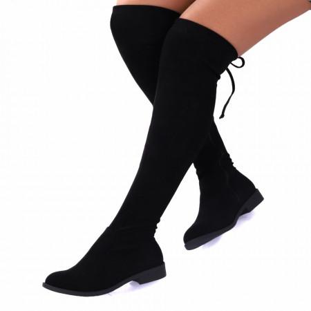 Cizme cod 59551 Negre - Cizme din material textil tip catifea cu lungimea de 50 cm, se închid cu şiret si fermoar - Deppo.ro