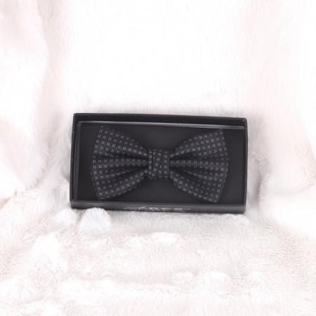 Papion Negru cu Cerculețe - Cumpără îmbrăcăminte, încăltăminte și accesorii de calitate cu un stil aparte mereu în ton cu moda, prețuri accesibile și reduceri reale, transport în toată țara cu plata la ramburs - Deppo.ro