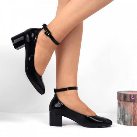 Pantofi cu toc Cod 4511 Negri - Pantofi pentru dame din piele ecologică lăcuită  Închidere prin baretă  Conferă lejeritate și eleganță - Deppo.ro