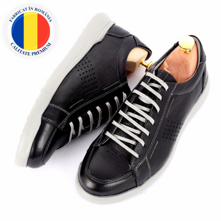 Pantofi din piele naturală cod 5221 Negru - Pantofi din piele naturală, model simplu, finisaje îngrijite cu undesign deosebit prin vârful perforat - Deppo.ro