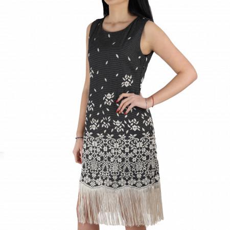 Rochie Melody Black - Rochie neagră elegantă cu umerii goi şi franjuri, pune-ți silueta în evidență și atrage toate privirile, aspectul asimetric petrecut de la baza rochiei aduce un aer inedit ținutei. - Deppo.ro