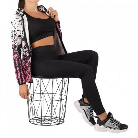 Trening pentru femei cod LS04 Black - Trening pentru femei, compus din haină și pantalon Material ușor elastic Haina cu inchidere prin fermoar și buzunare cu inchidere prin fermoar - Deppo.ro